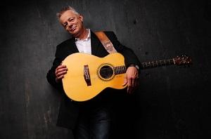 gitarist-tommi-jemmanuel