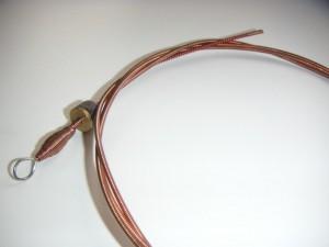 Нейлоновые или металлические струны
